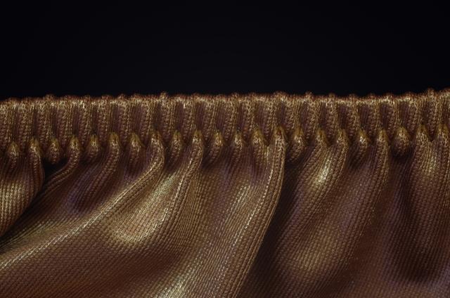 乾きやすいが吸水性が低いナイロン繊維